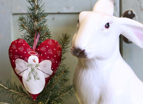 Snow_Happy_Heart_January_with_bunny-8322
